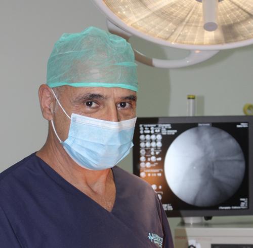 Dr. Ángel Vega Curiel, Especialista en Traumatología y Cirugía Ortopédica
