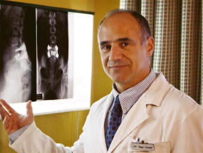 Dr. Angel Vega Curiel, licenciado en Medicina y cirugía